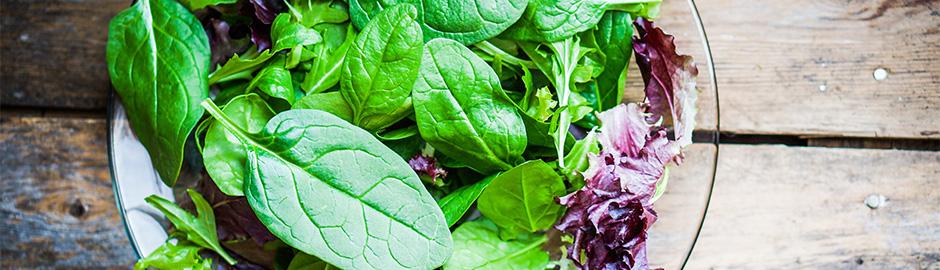 5 Ways to Build an Arthritis-friendly Salad